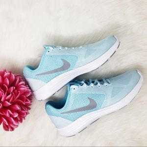 Nike Revolution 3 Glacier Blue Sneakers